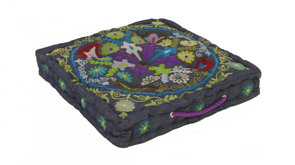 De laatste zitkussen denim geborduurd 50x50x10 cm for Zit kussens